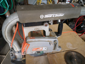 Black and Decker Compact Radial Arm Saw