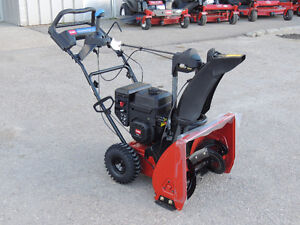 """2015 Toro SnowMaster 824 QXE Snow Blower - 24"""" clearing width"""