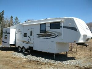 2008 Jayco 5th Wheel Trailer with Bunkhouse