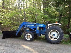 1989 Ford 4x4 Diesel Tractor