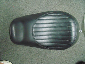 96-05 DYNA SOLO SEAT