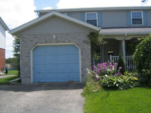 DETACHED 3+2 BDRMS 3 BTH HOME~ MOVE IN MAY 1