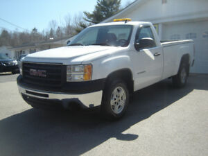 2011 GMC SIERRA REAR WHEEL DRIVE PICKUP