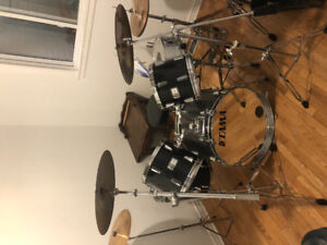 Rogers 380 drum set all matching  original
