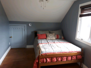For students! 2 bedrooms available!