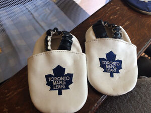 Toronto Maple Leaf Leather Slippers