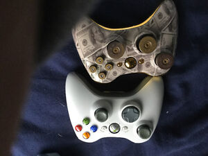 Xbox 360 with three controllers and 30 games for PS3