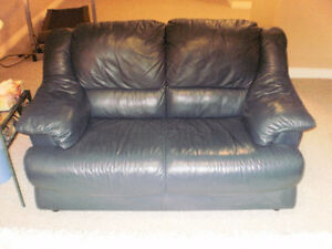 Blue Leather love seat Sarnia Sarnia Area image 2