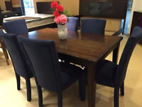 Liquidation 6 blue chairs with table