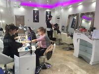 Nail Technicians acrilique needed ASAP 100£ per day