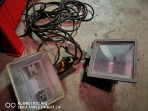 2 Flood Lights - with wires