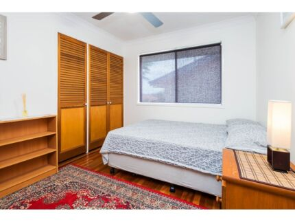GREAT SIZE ROOM AVAILABLE FROM 16th NOV IN PRACTICAL LOCATION :) Wishart Brisbane South East Preview