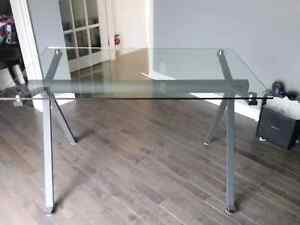Tempered glass and iron desk Gatineau Ottawa / Gatineau Area image 2
