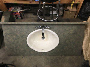 Vanity countertop 4' with sink and taps
