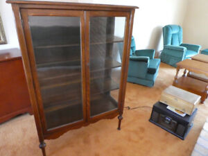 ANTIQUE STYLE CHINA CABINET  (DARTMOUTH)