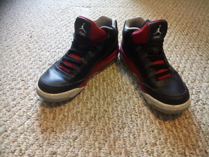 Air Jordan Flights / Size 6 / Condition 7