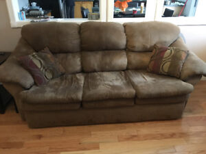 Lots of household items for sale/Whitby