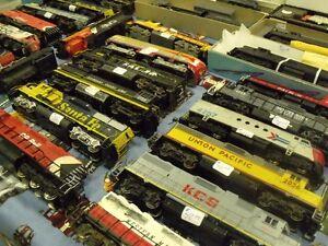Apr. 15th Brantford Model Train Show - vendors buying London Ontario image 8