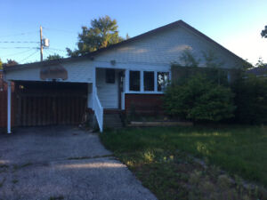 HOUSE FOR RENT IN SOUTH AJAX