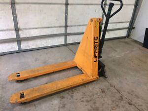 Pallet jack high lift electric
