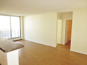 Renovated 1 BR + Den on Lemarchant St. Avail. NOW!