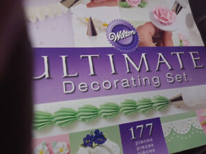 Wilton Ultimate Cake Decorating Set