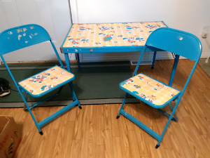 Childs Folding table and chairs