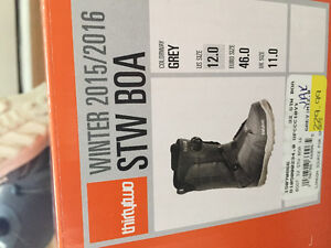 Men's Thirty Two Boots - size 12, excellent condition London Ontario image 2