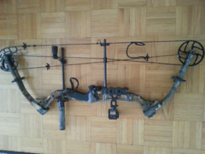55-70lb Bowtech Compound Bow with bowfishing arrows and quiver