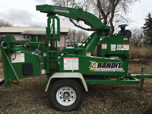 2015 Bandit 990xp tow behind chipper