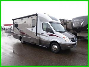 2014-Itasca-Navion-IQ-24V-New-Class-C-Diesel-Motorhome-RV-with-rear-twin-beds