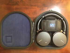 Sony Bluetooth Headphones MDR-XB950BT Excellent Condition
