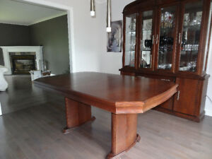 9 Piece Maple Dinning Room Set