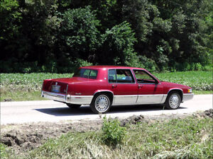 1993 Cadillac Deville Touring Sedan Fully loaded