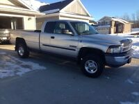 2001 Ram 2500 24V Cummins Diesel **ONE FAMILY TRUCK MUST SEE**