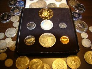 Gold Silver Coin collections Old paper money military medals