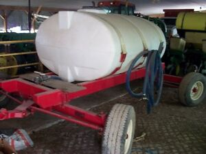 corn planter tow behind  firtilizer tank  (4 wheele steer)