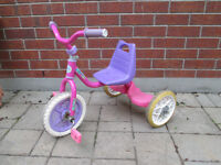 Tricycle fille (à St. Bruno)
