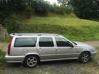 Volvo V70 XT Estate Breaking 1999 2.4
