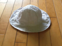 White hat with elastic size 4-5