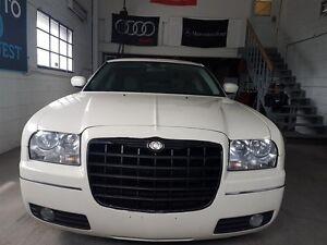 Chrysler 300 4dr Sdn 300 RWD 2007