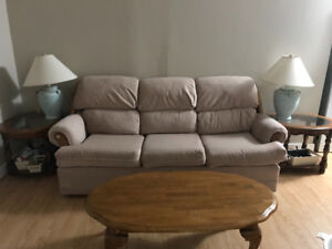 Estevan, Sofa, table and table lamp for free