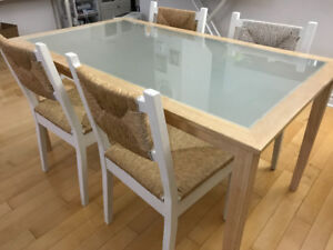 Moving sale! Dining table and chairs...