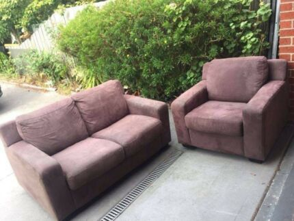 Nice fabric 2 seater + 1 seater sued material sofa , can delivery