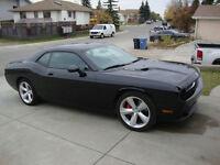 2009 Dodge Challenger SRT8 Coupe (2 door)FINANCING AVAILABLE