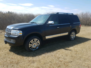 Ride in style LINCOLN NAVIGATOR