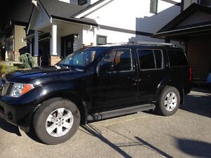 Price Reduced- 2006 Nissan Pathfinder LE