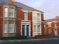 3 bedroom flat in Wingrove Avenue FENHAM (WINGR70)