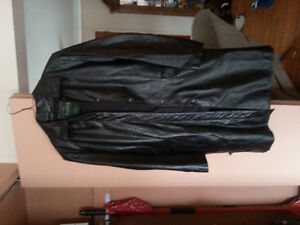 For Sale Women Danier 3 /4 leather coat