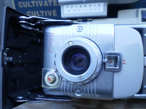 vintage POLAROID 80A LAND CAMERA vintage $100. Prince George British Columbia image 4